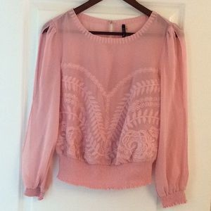 Gorgeous Pink Blouse with Embroidered design. 🌸